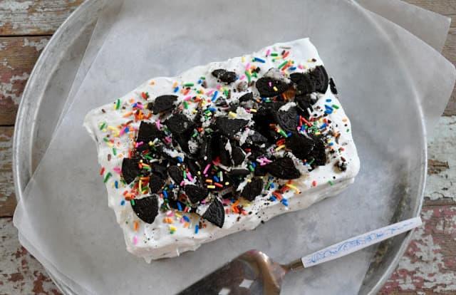Finished NO BAKE Oreo Ice Cream Cake