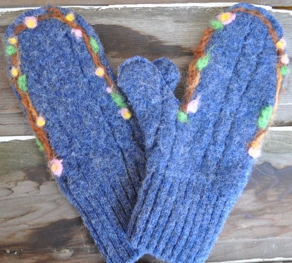 How to Make Wool Mittens from an Old Wool Sweater