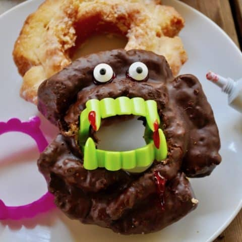Halloween Party Idea-Vampire Doughnuts