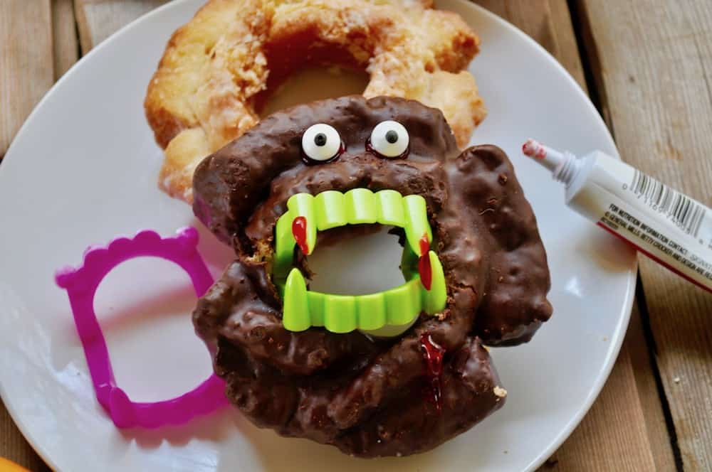 Halloween Party Idea-Vampire Doughnuts