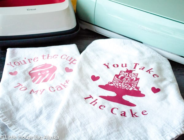 DIY Valentines Day Dishtowel Project with the Cricut