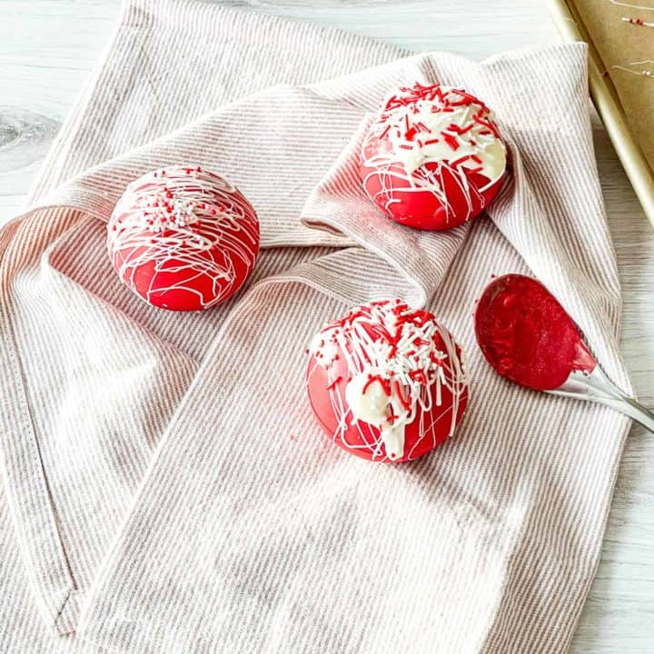 Red Velvet Hot Chocolate Bomb Recipe.