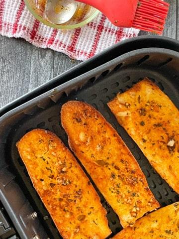Air Fryer Garlic Bread.